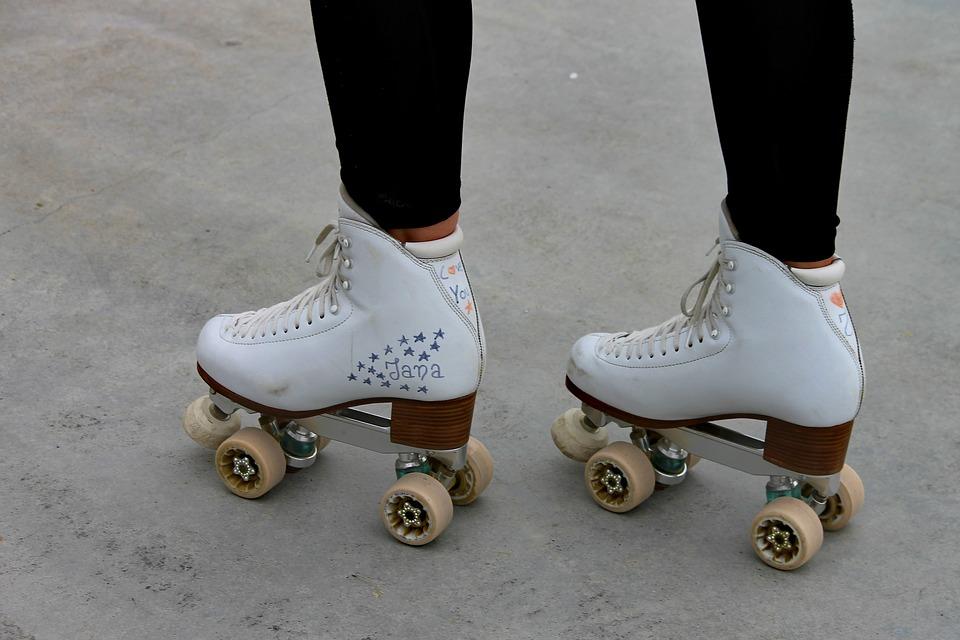 roller-skates-3391617_960_720